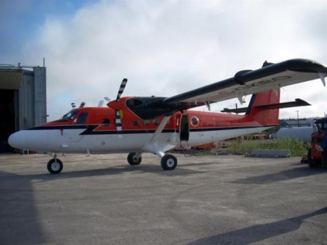 twin otter (Small).JPG